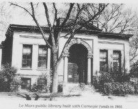 Black and white photo of the 1st public library building